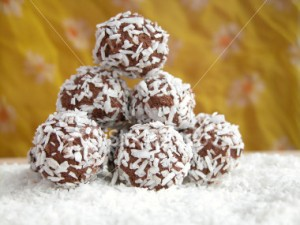 coconut-ball-pyramid